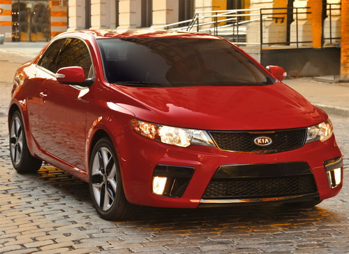 2012 kia forte rated the best car for college graduates the bunch blog. Black Bedroom Furniture Sets. Home Design Ideas