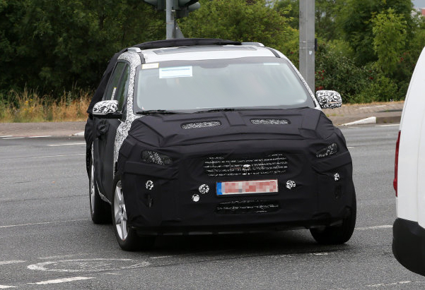 Next Generation 2015 Kia Sedona Spy Shots The New Kia Sedons Will Be Available At VanDevere Kia In Akron Ohio