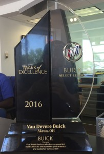 Buick_Mark_Of_Excellence_VanDevere_2016